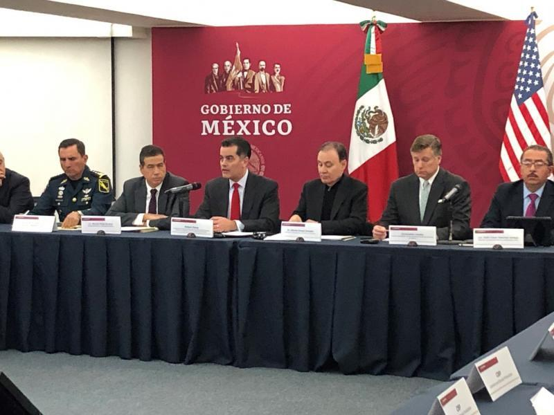 CBP Deputy Commissioner Robert Perez (center) discusses areas of common interest between his agency and his counterparts in Mexico City.