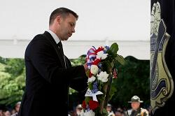 C1 Kevin McAleenan lays wreath at Valor Memorial