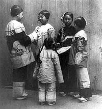Five rescued Chinese girls at a San Francisco mission. Photography by Arnold Genthe, 1904.