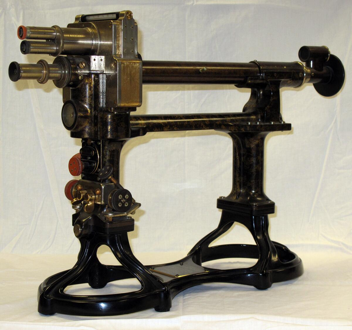 The U.S. Customs Service used optical instruments like this half shade polariscope, patented in 1907, for at least sixty years in sugar analysis. Accuracy was critical. Small degrees of difference in the samples translated to substantial overall duties assessed across a whole shipment.