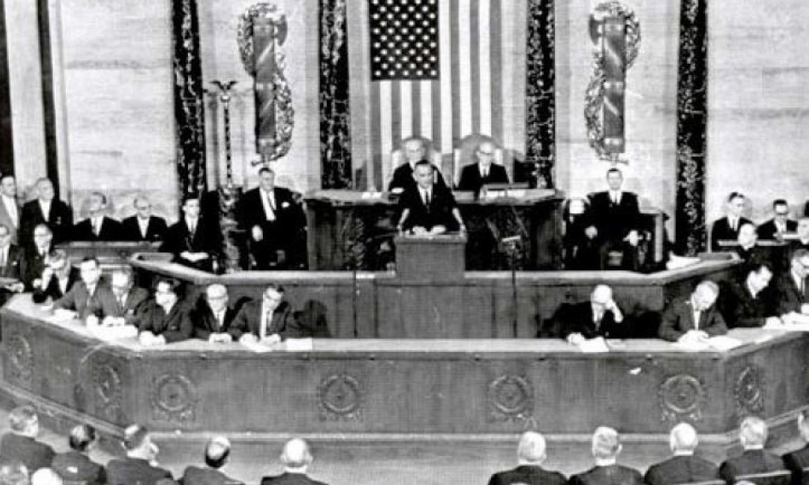 Photo of President Lyndon Johnson delivering his 1965 State of the Union Address to members of Congress
