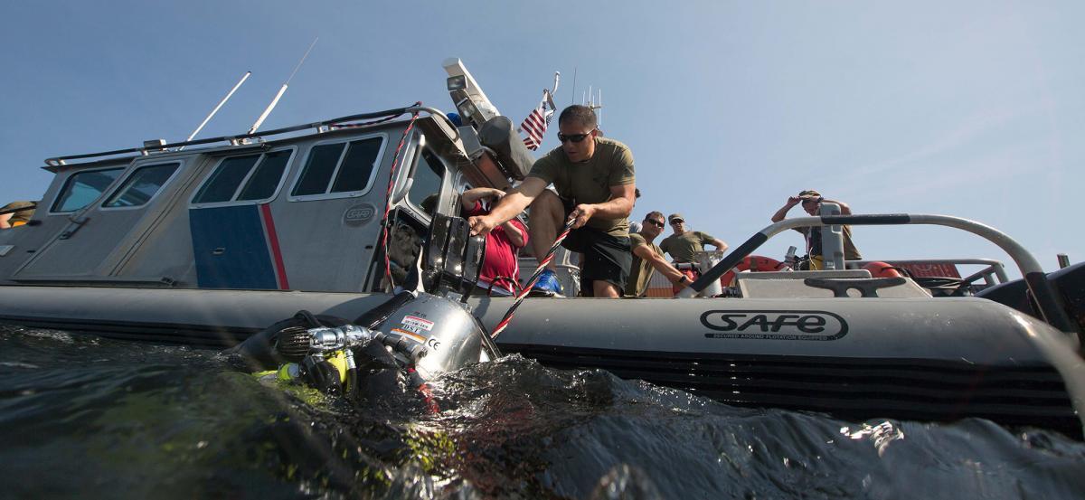 BORSTAR divers