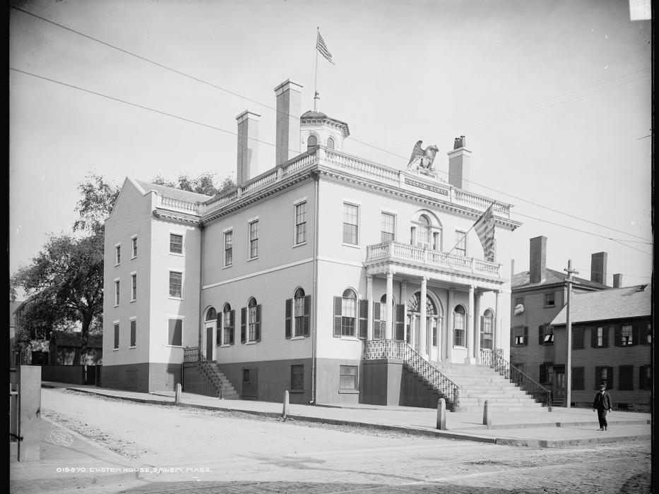 A photo of the Salem Customhouse