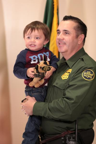 Family Reunites with Agent Who Saved 2-Year Old