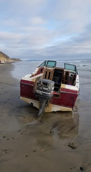 U.S. Border Patrol (USBP) agents arrested 15 people this weekend, all of whom were involved in maritime smuggling activities.  Included in that group were several people who escaped arrest last Friday after their boat landed in north county San Diego.
