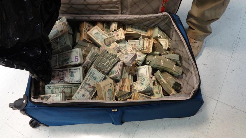 Agents found more than $500K in suitcase.