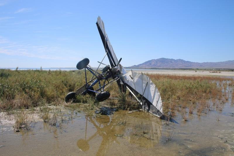 Agents discover a crashed Ultralight Aircraft.