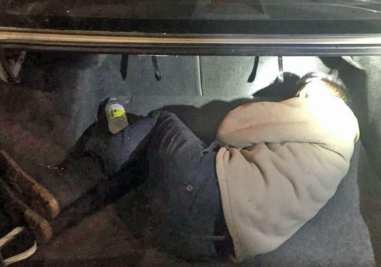 Agents at the I-19 traffic checkpoint discovered a Mexican national within the trunk of a smuggling vehicle