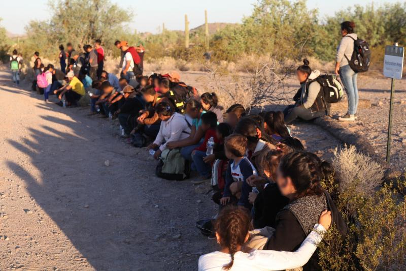 Agents from Ajo Station arrest large group of 121 illegal aliens north of Lukeville, Ariz.