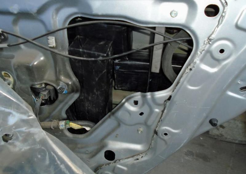 CBP officers discover 25 pounds of meth within the door panels of a smuggling vehicle