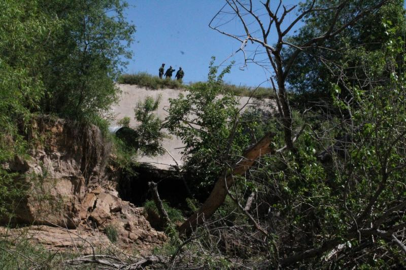Border Patrol agents rescue student