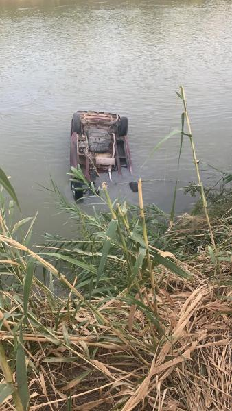 vehicle in water