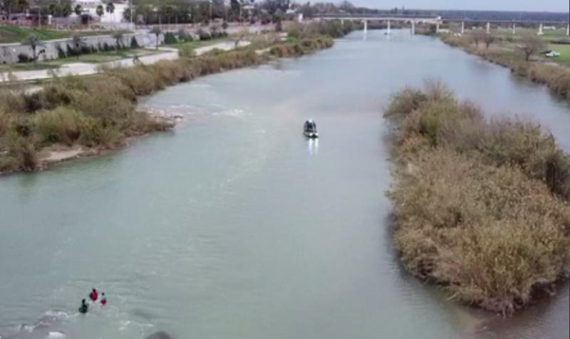 Border Patrol agents rescued five Honduran nationals from the Rio Grande River.