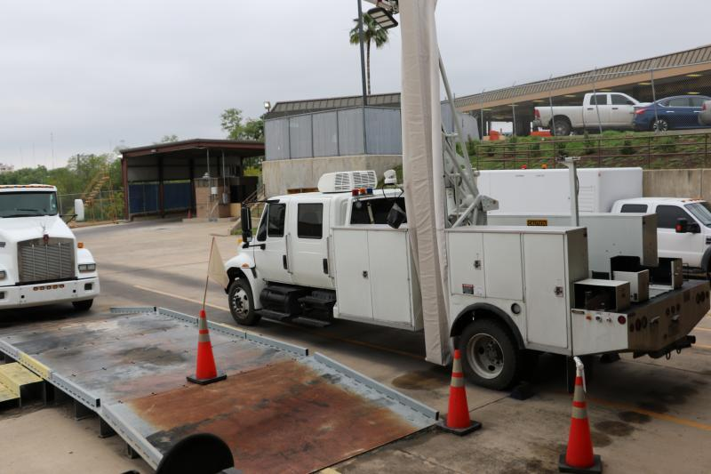 A side view of non-instrusive iamging system equipment at Roma Port of Entry