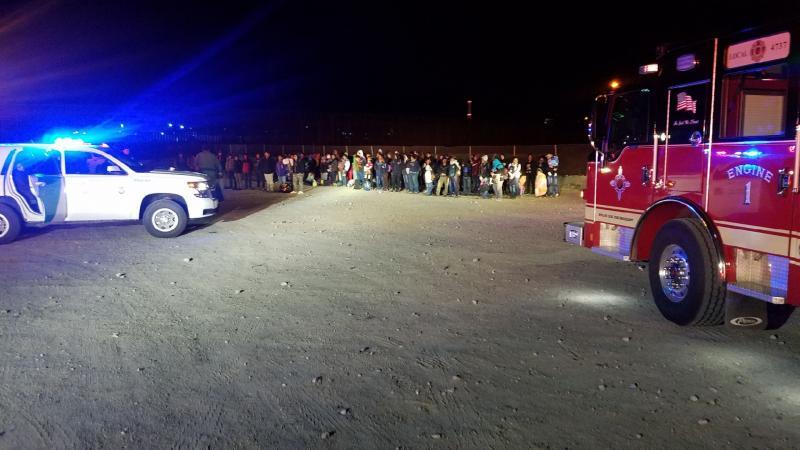 Large group at Sunland Park border.