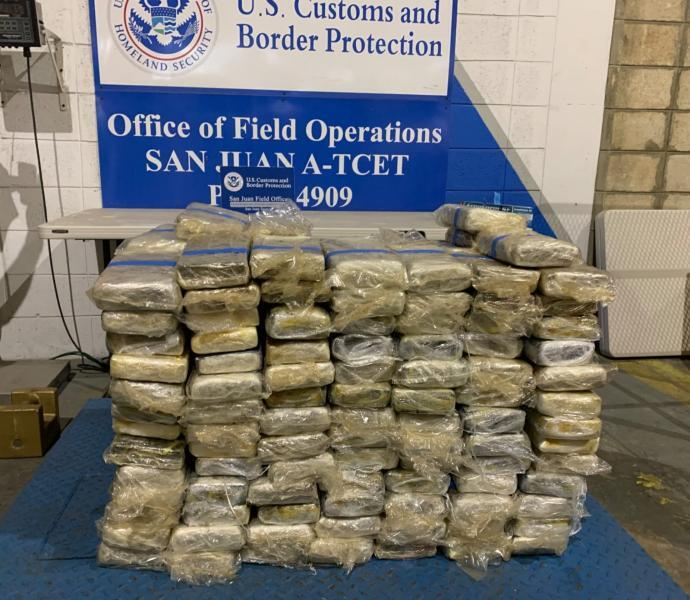 A dsiplay of the 223 kilos seized by CBP.