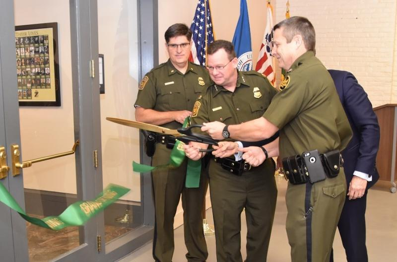 USBP NOLA cuts ribbon