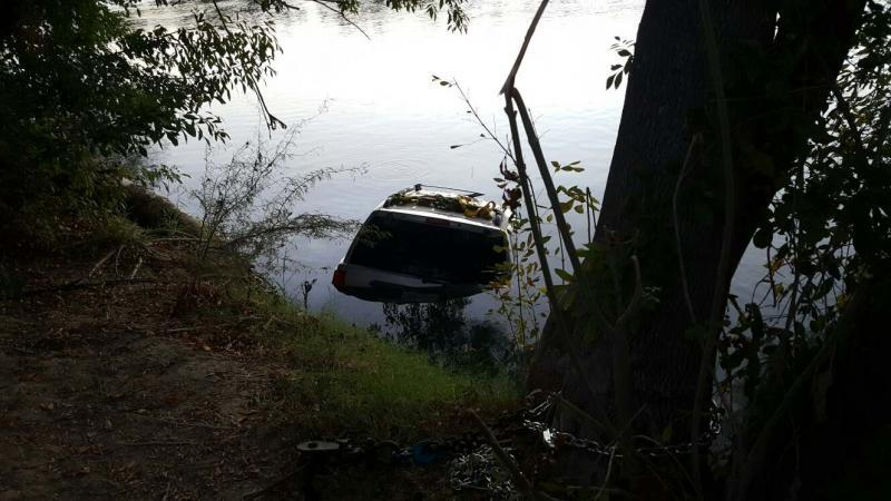 Vehicle purposely ran into the Rio Grande to avoid capture