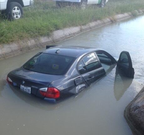 Bail out vehicle ends in canal