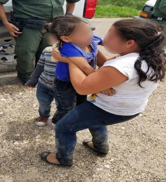 Border Patrol agents rescue young girl separated from her mother by smugglers